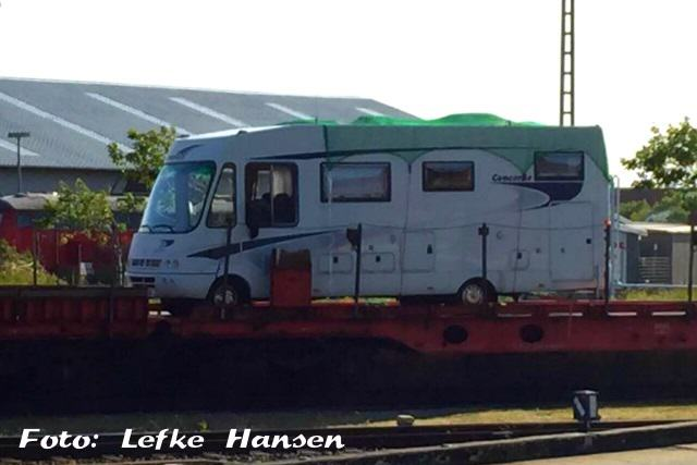 Autozug Sylt sichert Wohnmobil mit Netzen