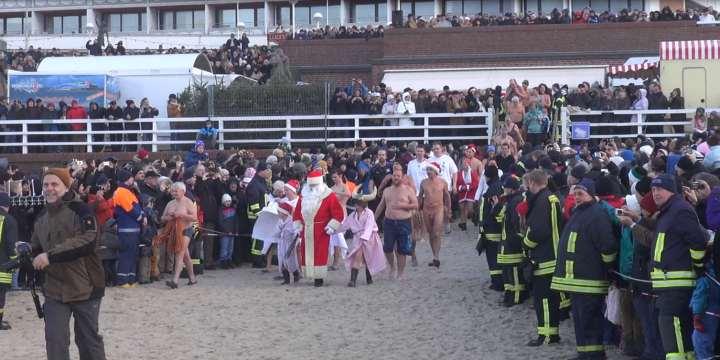 Weihnachtsschwimmen Westerland 2012