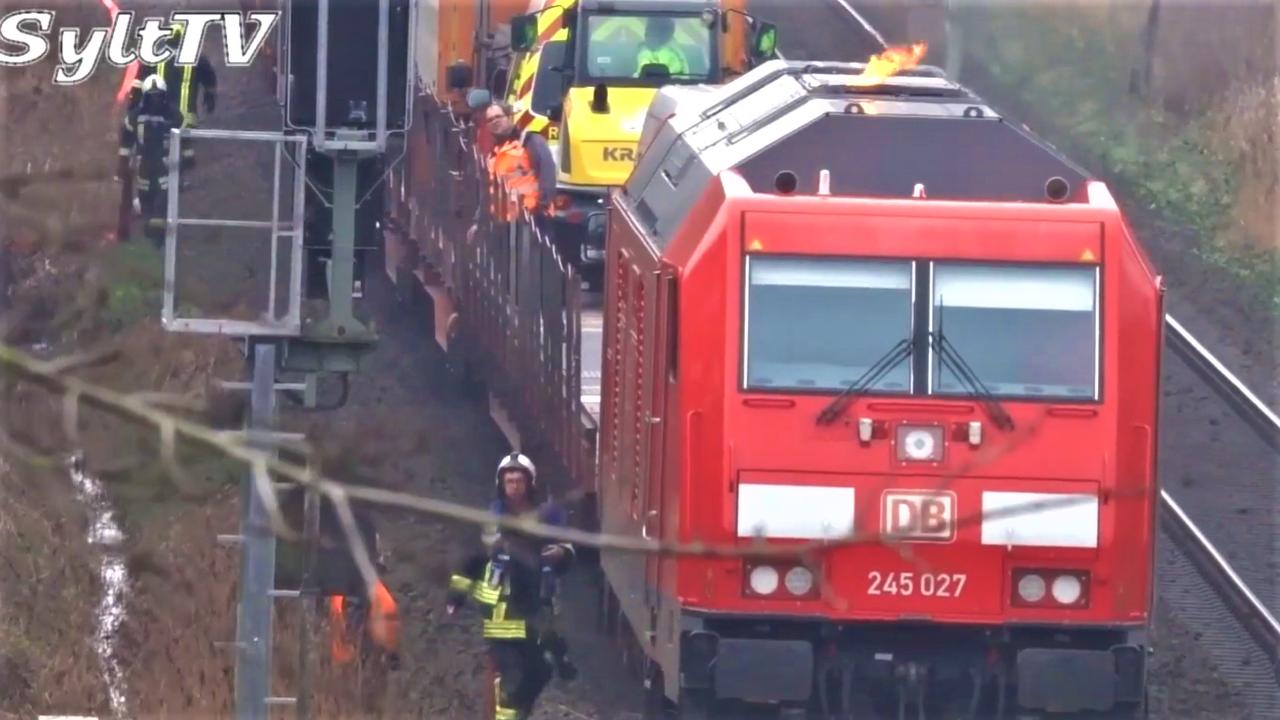 Autozug Sylt Shuttle Lok fängt Feuer - Bahnverkehr gestört