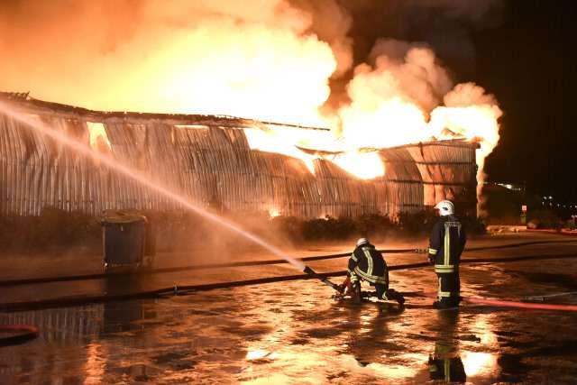 Grossbrand an der Strandkorbhalle in Wenningstedt