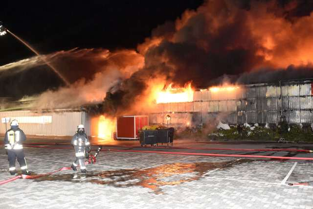 Strandkorbhalle in Wenningstedt brennt komplett nieder