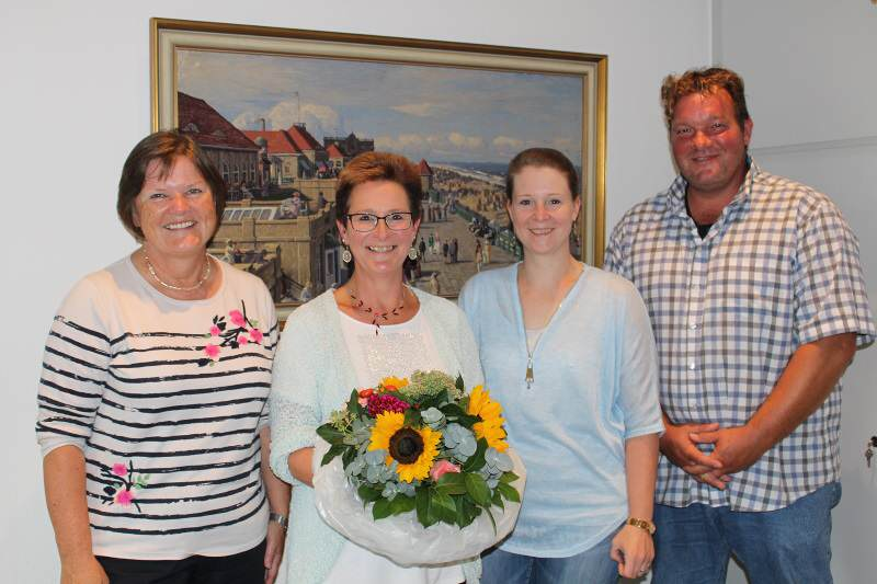 Melanie Lorenzen feierte ihr 25-jähriges Dienstjubiläum bei der Gemeinde Sylt