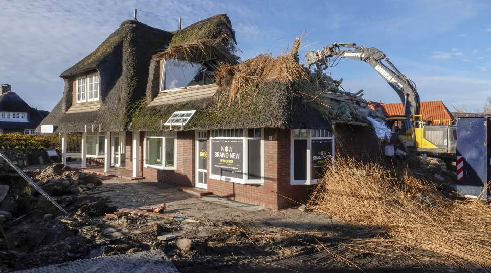 Das Haus im Strönwai Nr. 1 wird zurzeit abgerissen