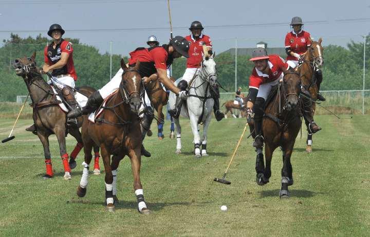 Internationale Stars und Poloaction der Extraklasse ziehen seit 18 Jahren zahlreiche begeisterte Besucher zu den German Polo Masters nach Sylt
