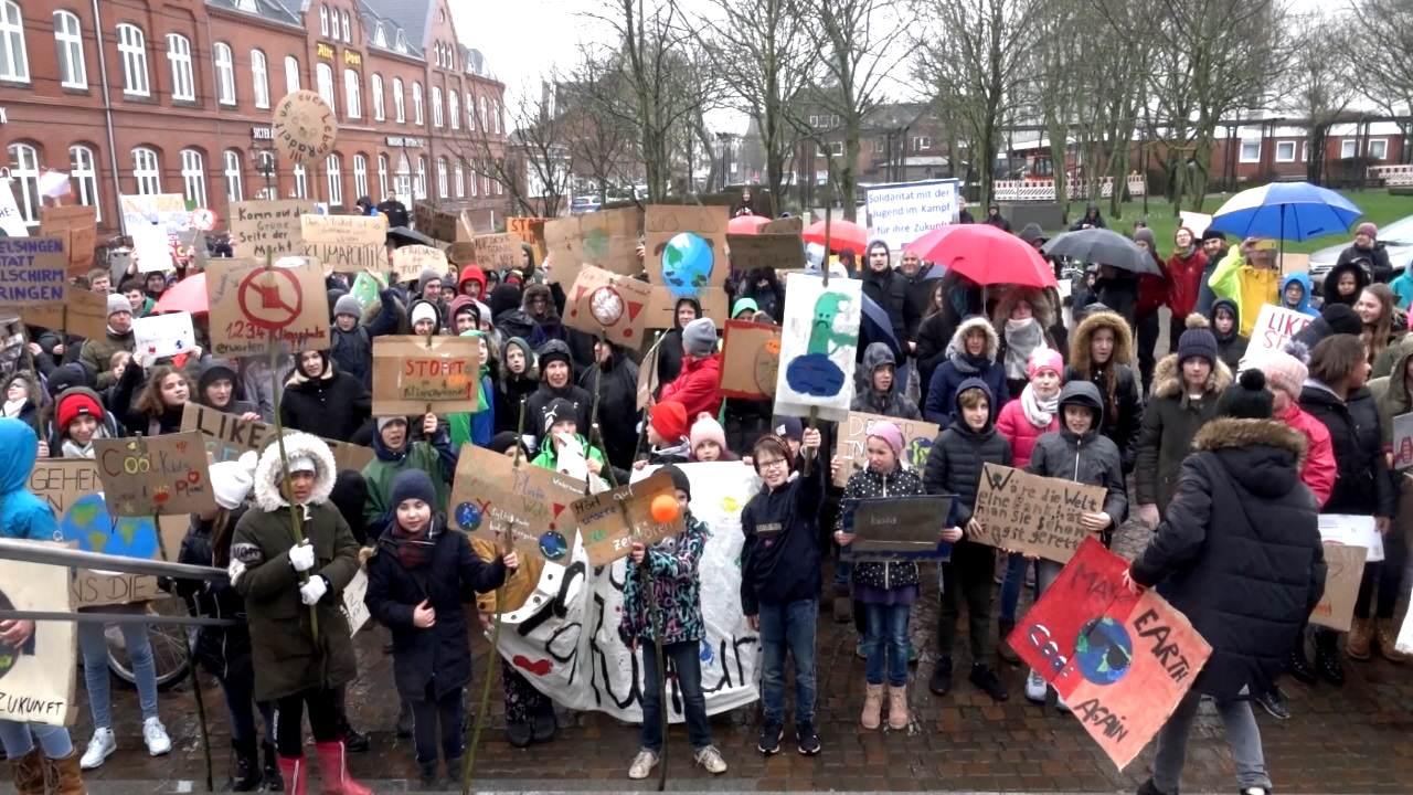 Fridays for Future Demo vor dem Rathaus in Westerland auf Sylt