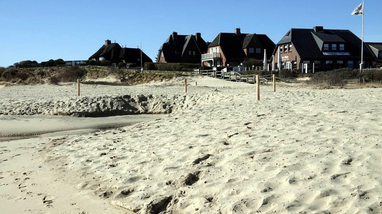 Der neue Sand an der Munkmarscher Mühle ist verunreinigt