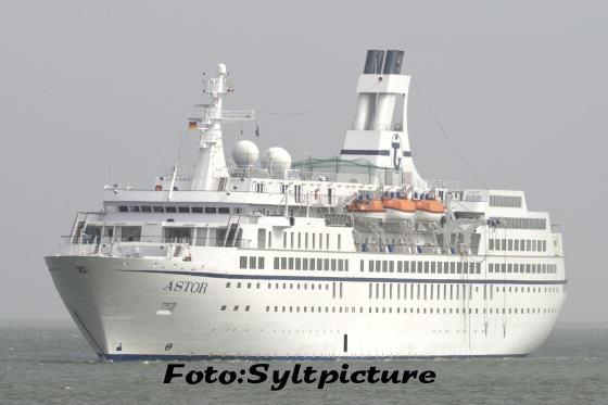 Die MS Astor vor Sylt