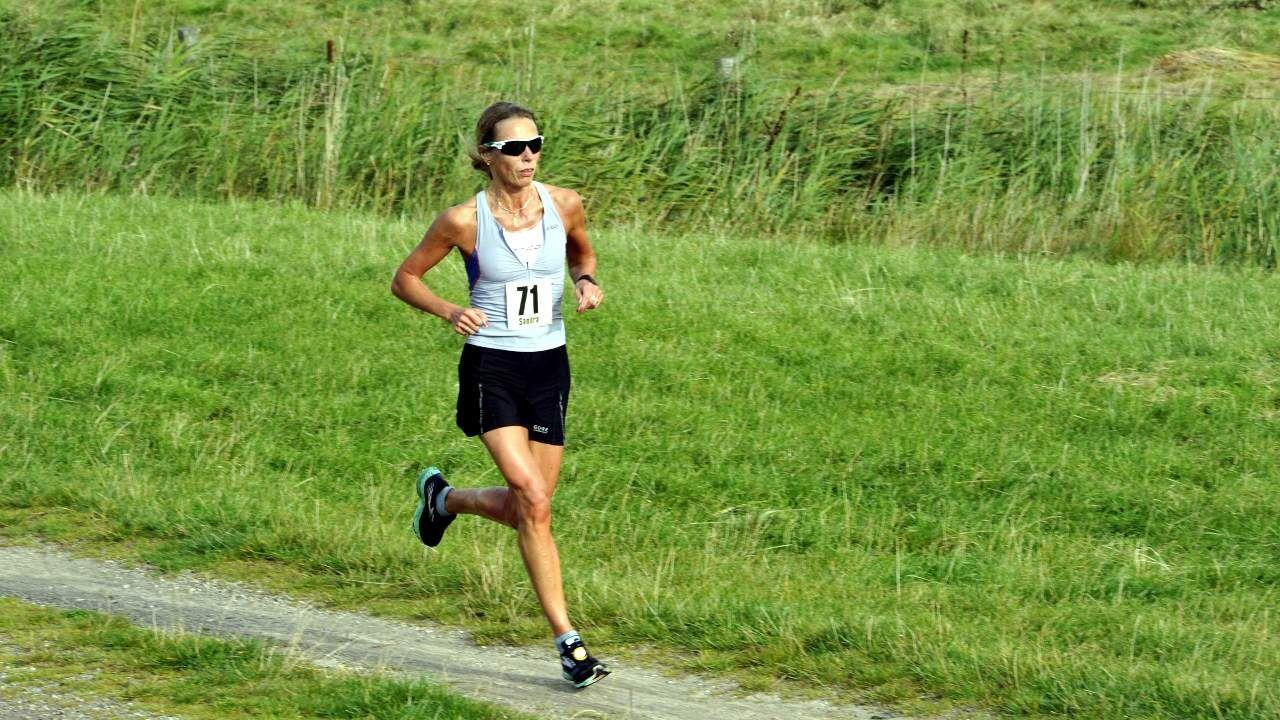 Sandra Morchner gewinnt den 10 Run ums Rantumbecken
