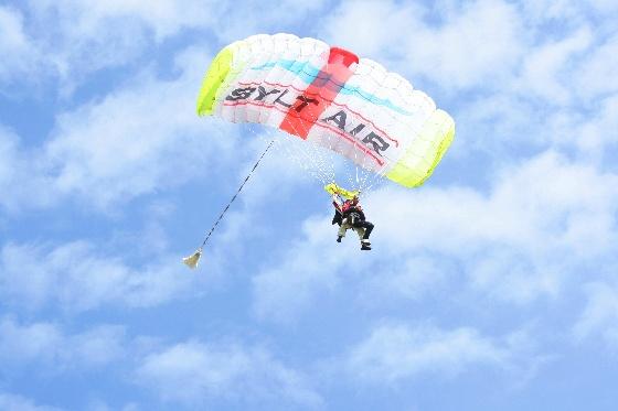 Tandem Fallschirmspringen Sylt