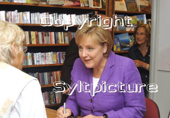 Sylter und Sylturlauber im Gespräch mit Angela Merkel