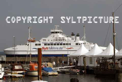 Sturm auf Sylt bremst Syltshuttle + Syltfaehre heute aus