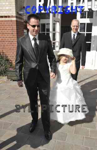 Töchterchen Adeline durfte natürlich auch nicht bei der Wendler Hochzeit fehlen