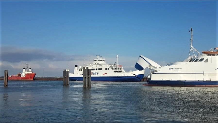 Zurzeit pendelt die Römö-Express zwischen Römö und Sylt, da die SyltExpress sich aktuell in der Werft befindet.
