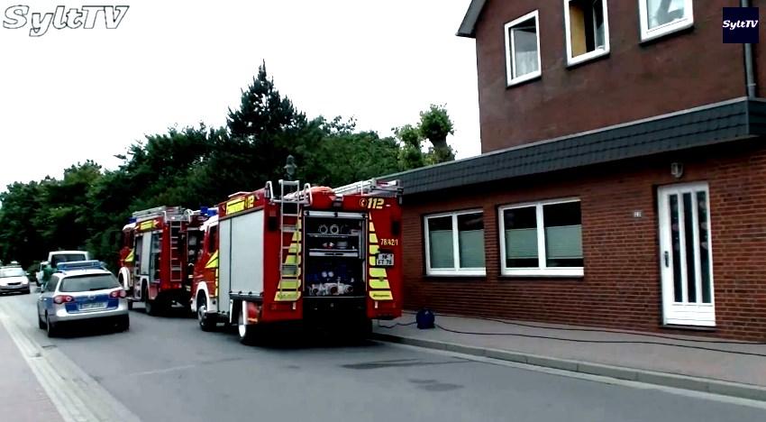 Polizei und Feuerwehr im Einsatz in Tinnum