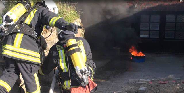 Reetdachhaus in Kampen auf Sylt brennt zur Übung