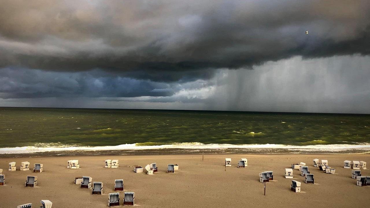 Unwetter auf Sylt sind sehr oft beeindruckende Naturgewalten. Schön und schaurig zugleich