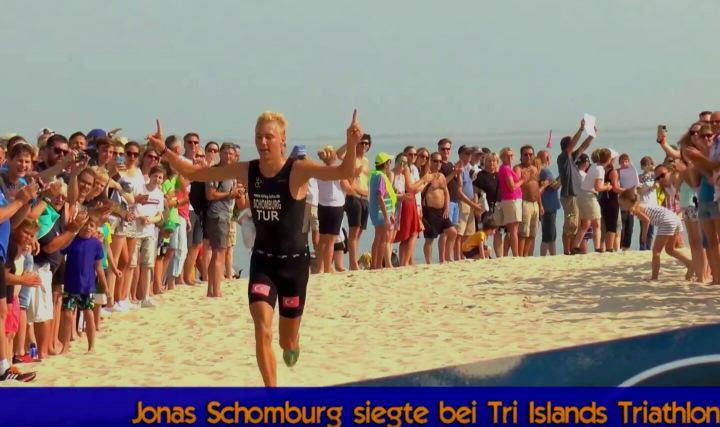 Sieger des Amrum, Föhr, Sylt Triathlon Jonas Schomburg