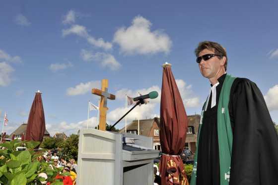 Auf Sylt Deutschland - Holland mit Gottes Segen schauen