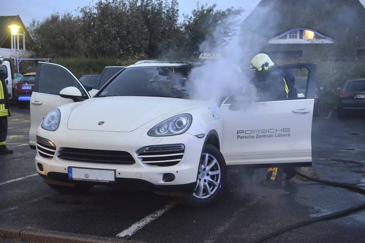 Porsche-Taxi auf Sylt brennt aus